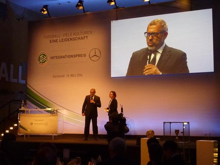 Der DFB-Integrationsbeauftragte Jimmy Hartwig lobte das große Engagement der freien und kommunalen Träger