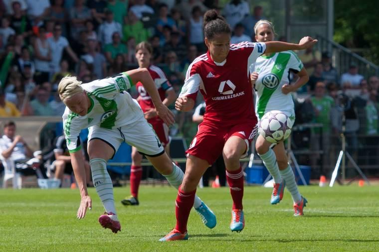 Fussball 1 Frauen Bundesliga VfL Wolfsburg 1 FFC Frankfurt v li Nilla Fischer VfL Wolfsbur