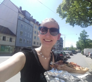Pizza, Fußball und Sonnenschein...Was will man mehr